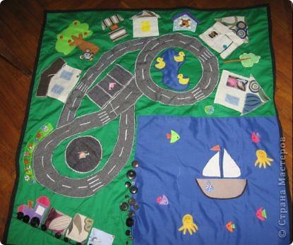 Развивающий коврик для ребенка