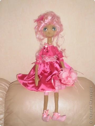 Кукла 65 см. Сшита как примитив с круглой головой из 4 клиньев, тело из фланели , покрашена кофе с корицей.  фото 1