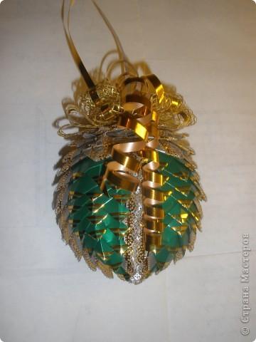 Можно подарить вот такую новогоднюю игрушку и обязательно вставить в нее пожелания....закрыть бантом и раз ...два...три...они оообязательно сбудутся! фото 1