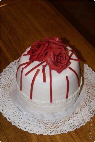 Тортик к юбилею. Розы из мастики