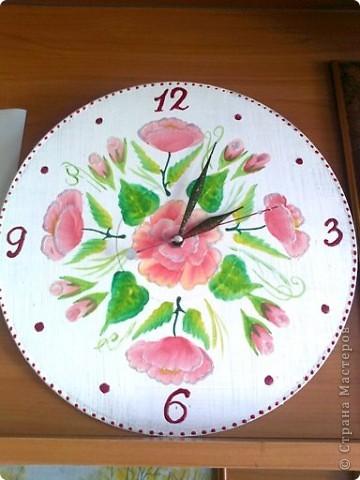 Эти часы росписаны акрилом фото 1