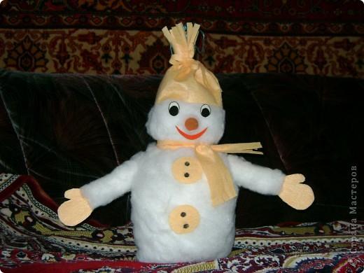 """Спасибо Веллине за идею! У нас """"родился"""" братишка её снеговичку!  Тоже будет украшать уличную елку на радость малышам!"""