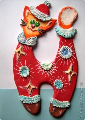 Дед Морозом в Новый год   Нарядился Рыжий кот.   Хулиган, проказник  Нам устроил праздник!  http://stranamasterov.ru/node/45612 фото 1