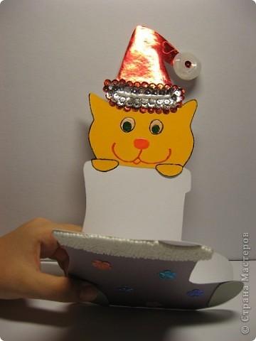 Скоро Новый год, поэтому Маруся сделала открытку учительнице. Надеемся, что открытка понравится. фото 2