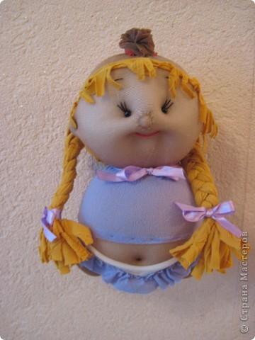 Меня часто спрашивают, как я  шью таких пупсов. Все время давала ссылку на японские журналы, а вот теперь появилась возможность сделать мастер-класс. В детском саду заказали таких куколок  в подарок девочкам. фото 55