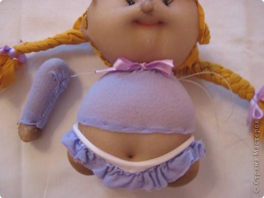 Меня часто спрашивают, как я  шью таких пупсов. Все время давала ссылку на японские журналы, а вот теперь появилась возможность сделать мастер-класс. В детском саду заказали таких куколок  в подарок девочкам. фото 58