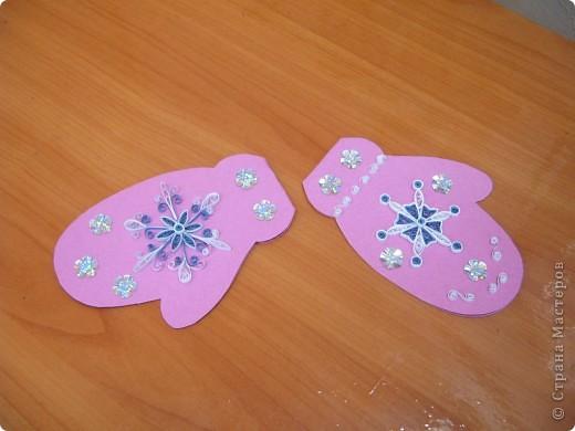 Вот такие открытки-рукавички мы сегодня делали с моими ребятами. Размер её 10х15. Бумага пастельная.  фото 3