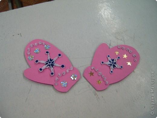 Вот такие открытки-рукавички мы сегодня делали с моими ребятами. Размер её 10х15. Бумага пастельная.  фото 4