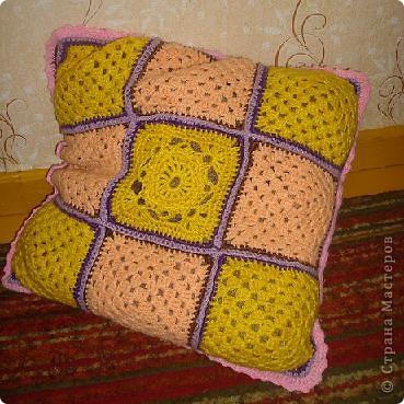 Подушка крючком из квадратиков