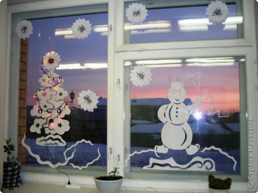 Вырезание - Зимняя сказка на окнах.