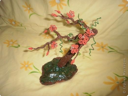 дерево из бисера цветущее