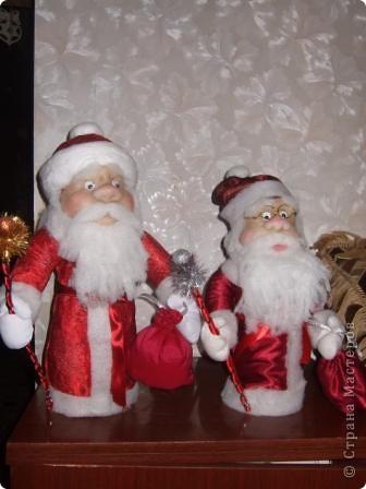 Дед Мороз подружки Лены - слева,  мой -справа. фото 1