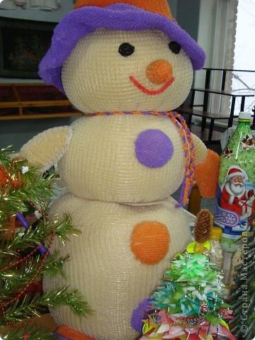 """Привлекательно и с веселой улыбкой выглядит наш снеговик. Чернова Ирина, 1 """"А"""". фото 1"""