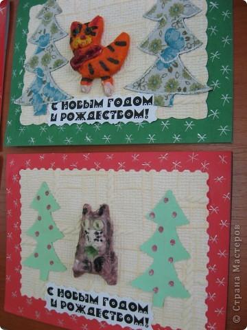 Первая проба лепки из солёного теста. К году кота (кролика) сделали такие новогодние открыточки. фото 9