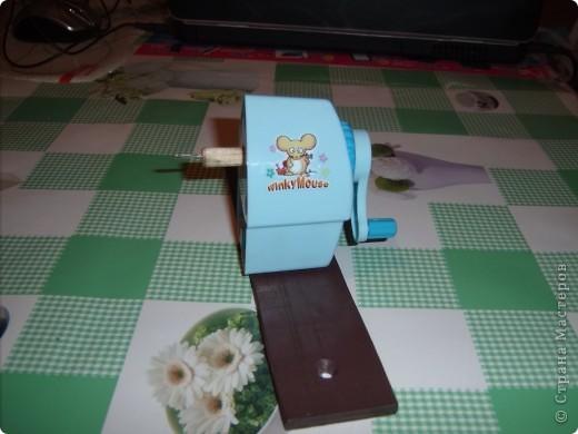 Сегодня прислали заказанный мною шредер. Нарезать полоски для квиллинга одно удовольствие!!! Вставили бумагу... фото 8