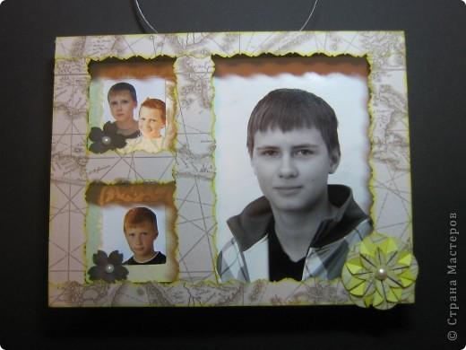 Очень понравилась рамочка Корсановой Ольги http://stranamasterov.ru/node/59603?c=favorite_1398. Решила оформить фотографии сына в подарок бабушке и прабабушке. Побоялась переборщить с украшениями, поэтому ограничилась 3 цветочками. Фото, как всегда, не очень, это без вспышки. фото 1