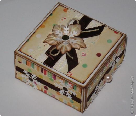 Сделала парочку коробочек для небольших новогодних подарочков и останавливаться на достигнутом не собираюсь -)))) фото 1