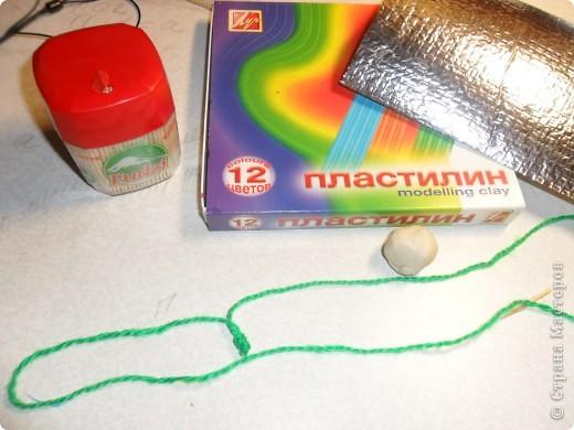 Давным - давно  такой шарик к Новому году делали с ребятами. Раньше мы делали его  из фантиков . а теперь из современного утеплителя - изолона. фото 2