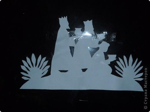 В эту ночь земля была в волненье:  Блеск большой диковинной звезды Ослепил вдруг горы и селенья,  Города, пустыни и сады.  фото 2