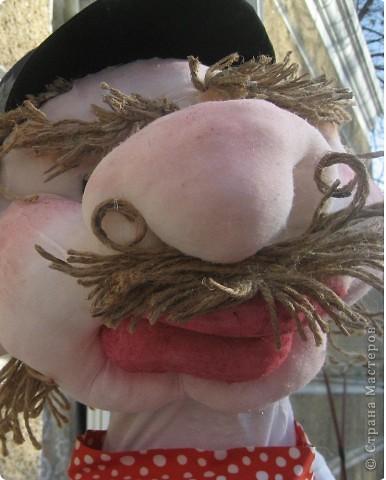 Создавая своих кукол, я опиралась на информацию по шитью мягких игрушек. Спасибо ЛИКМЕ! У нее я поняла, как надо их шить. И здесь тоже http://www.andrianova.ru/inside/learn/ .  эти уроки и были путеводителем к созданию головы ростовой куклы. фотографий ранее не делала, поэтому попытаюсь объяснить словами.  фото 5