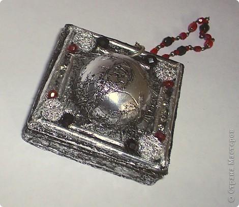 """Это коробочка для компаса которая болталась на ремне у Джека Воробья в фильме """" Пираты Карибского моря"""" Решил быть Джеком Воробьем на новогоднем празднике в этом году. Но в костюме очень много деталей вот потихоньку их сделаю за оставшуюся неделю, надеюсь успею!!!  фото 2"""