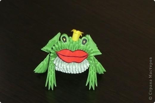 Жаба я заколдованная!