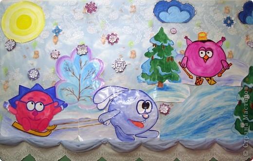 А бывают и такие морозные снежинки, играют себе под солнцем разными цветами! Очень красиво смотрятся в оформлении интерьера за счёт разнообразия цветов.  фото 4