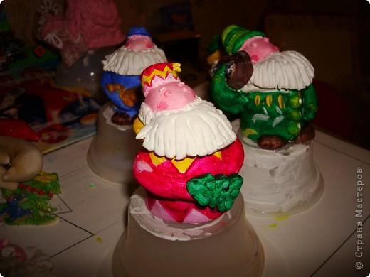 Моя первая проба вылепить картину с арнаментом, и в голову пришла вот такая тематика-Дева Мария с младенцем, барашек, рождественская елочка и, конечто же, звезда! Всех с наступающем РОЖДЕСТВОМ ХРИСТОВЫМ!!!! фото 3
