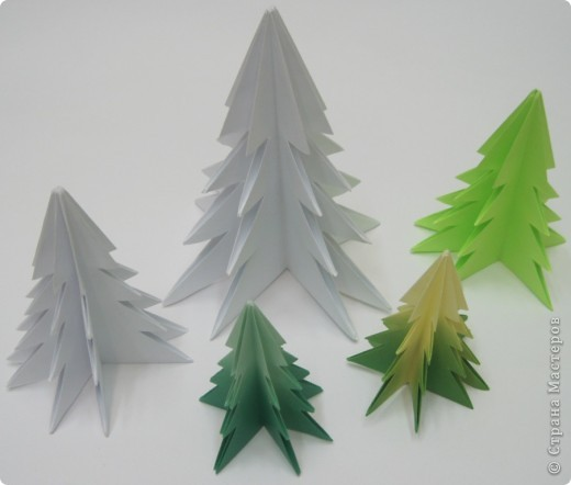 Как обещала, выставляю фотографии с выставки Маши Калистратовой. Маше 10 лет и это её первая выставка по оригами. На выставке представлены в основном разные модели ёлок. Но здесь есть и ангелочек, и куклы, и игрушки на ёлку. Приятного просмотра! Маша ждёт оценки и комментариев! фото 9