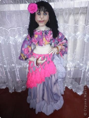 Це моя Дуняша. Ще подобаються мені ляльки Ольги Рубцової. Була в галереї ляльок у Києві і побачила її роботи, захотілося і собі спробувати зробити щось подібне. Така у мене вийшла дівчинка. фото 4