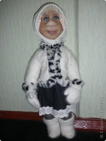 Це моя Дуняша. Ще подобаються мені ляльки Ольги Рубцової. Була в галереї ляльок у Києві і побачила її роботи, захотілося і собі спробувати зробити щось подібне. Така у мене вийшла дівчинка. фото 1