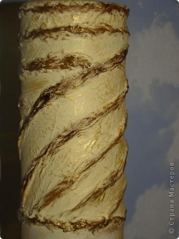"""ваза """"Ангелы"""" верхняя часть обклеена салфеткой, снизу целым фрагментом приклеена салфетка, акриловые краски, битум и золото по все поверхности фото 3"""