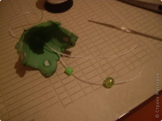 Вот такую гирлянду мы с Настей сделали из упаковки из-под яиц. фото 5