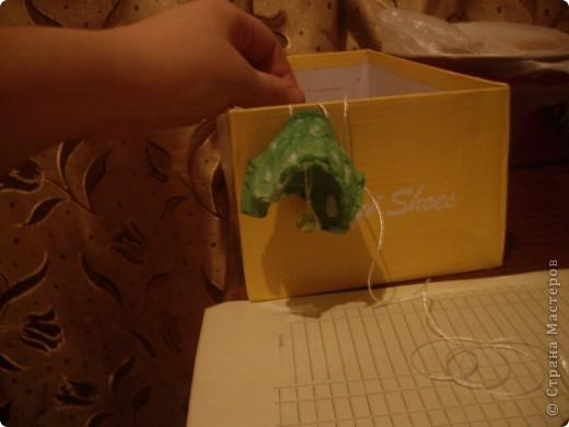 Вот такую гирлянду мы с Настей сделали из упаковки из-под яиц. фото 8