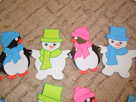 Села мне на рукавицу белая снежинка. И нахохлила,как птица, ледяную спинку. Замерла тихонько я,чтоб не улетела. Скоро варежка моя станет белой-белой....  Вот такое снежное было у меня настроение))) Снежинками планирую украсить новогоднюю ёлку.Вот думаю-может их лаком вскрыть,чтоб не на один Новый год их хватило...Дорогие мастерицы,подскажите пожалуйста!!! Может кто-то посоветует хороший лак, чтоб и высох быстро,и без запаха))) фото 10