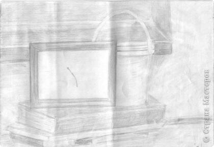 Рисунков всего 4 - их я делала когда ходила в кружок лет 10 назад. Был кружок для взрослых (сейчас бы назвали курсы, но у нас был именно кружок). Альбом скрутился, сверху придавился и на всех рисунках теперь горизонтальные полосы. Рисунок с натуры фото 4