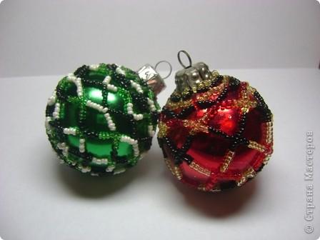 вот такие старенькие елочные шарики достались мне от любимой бабушки)не хотелось выбрасывать ведь эти шарики история)))вот и пришла идея их немного отреставрировать,посмотрим же что из этой идеи получилось)))) фото 3