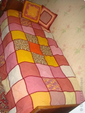 Плед и декоративные подушки