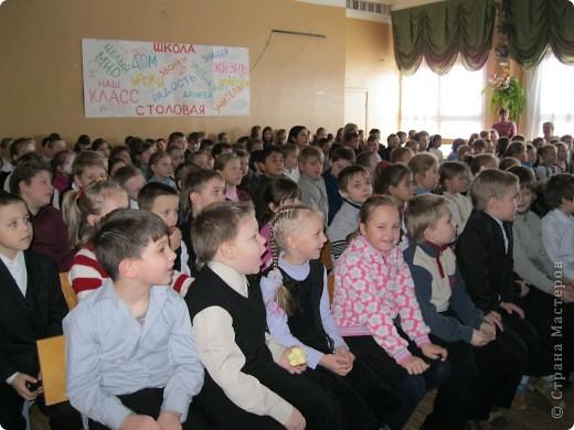 Сегодня в нашей школе появился Город Мастеров. Сначала мы все побывали на видео экскурсии в гостях у Деда Мороза фото 1