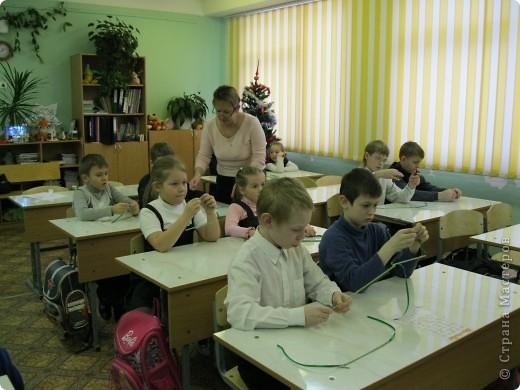 Сегодня в нашей школе появился Город Мастеров. Сначала мы все побывали на видео экскурсии в гостях у Деда Мороза фото 3