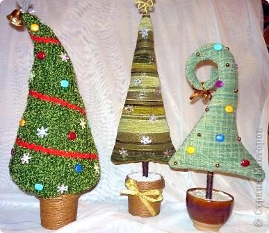 Что-то в этом году елки у меня нашились. Целых три штуки. фото 1