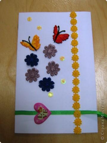 На День матери мы писали письмо маме, а потом делали конвертики для этих писем из всего, что было у нас под рукой. Конвертики все получились разные, но такие красивые. фото 2