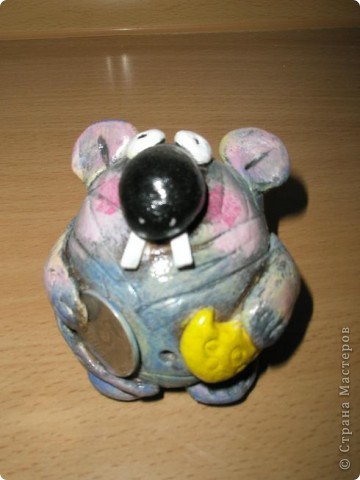 Крыс с монетои и с сыром фото 1