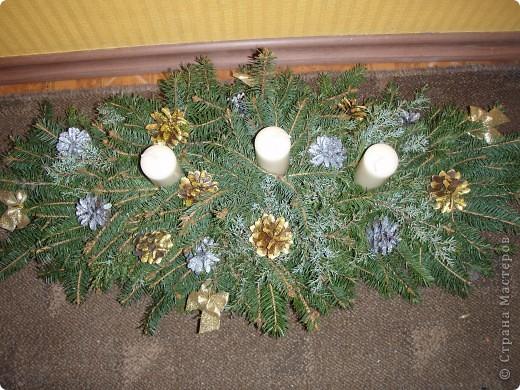 Вот такие веночки сделали я и мои друзья. Это рождественский венок на боьшой обеденный стол (или можно на камин). фото 1