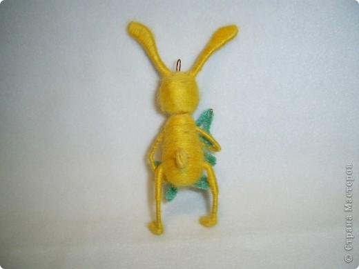 В этом году, это наверное, последние намотанные из ниток игрушки, вот захотелось чтобы они были праздничными.  получились два зайца)))) фото 8