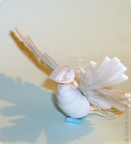 всем знакомый квиллинговый ангел стал снегурочкой. А крылья достались снежной птице фото 3
