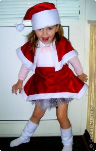 """Новогодний костюм """"Рождественский эльф""""! Пришлось коротать пару вечеров за швейной машинкой!...Очень понравилась одна фотография в инете,вот и решила что-то подобное сотворить. фото 1"""