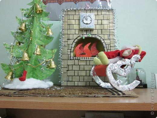 Эту новогоднюю поделку делала Лиза - наша воспитанница, со своей бабушкой. Они просто молодцы!