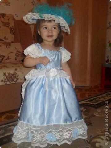 из такой же ткани, что костюм Василисы-прекрасной сшила костюм для  младшей дочери фото 1