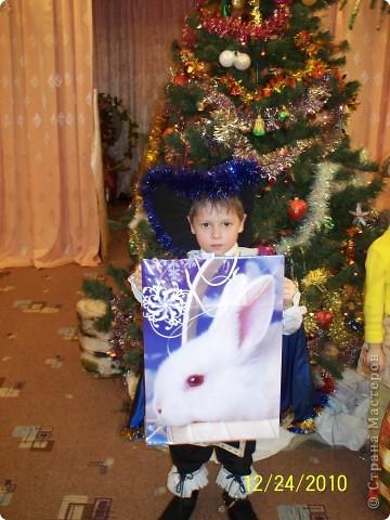 Здавствуйте, хочу поделиться идеей изготовления костюма мушкетера, который я сделала для сына)) вдруг пригодится  фото 2